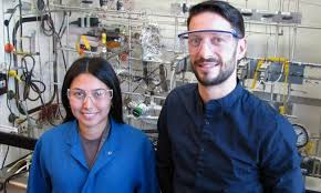 Search for catalysts that convert carbon dioxide into fuel gases